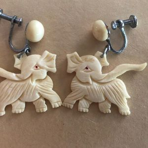 Jewelry - Vintage carved Asian / African elephant earrings